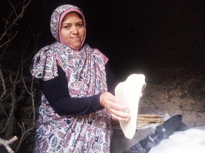 همسر کشاورز زعفرانکار